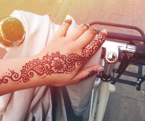 henna and love image