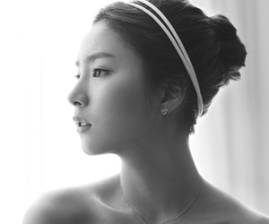 korean, actress, and jewelry image