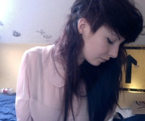brown hair, undercut, and girl image