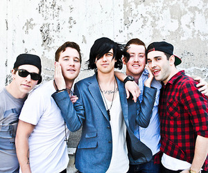 sleeping with sirens, kellin quinn, and band image