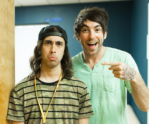 all time low, pierce the veil, and vic fuentes image