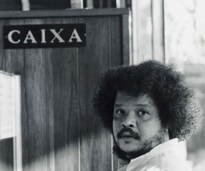 look and tim maia image