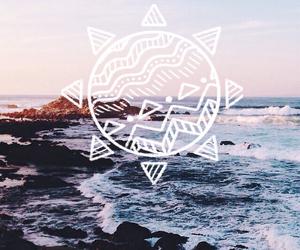ocean and sun image