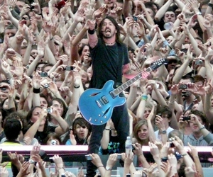 dave grohl, ff, and foo fighters image