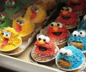 cupcake, food, and elmo image