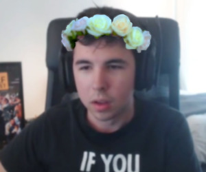 flower crown, youtube, and guille image