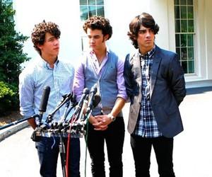 Joe Jonas, jonas brothers, and kevin jonas image