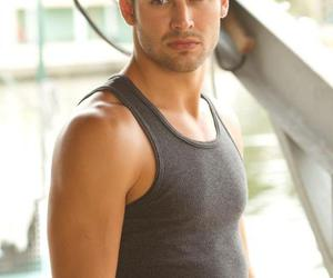 sean and ryan guzman image