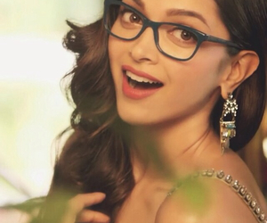 bollywood, smile, and deepika padukone image
