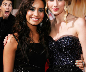 demi lovato, Taylor Swift, and hair image