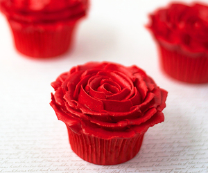 cupcake and red image