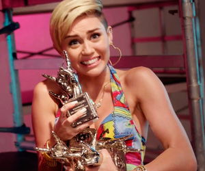 miley cyrus, mileycyrus, and awards image