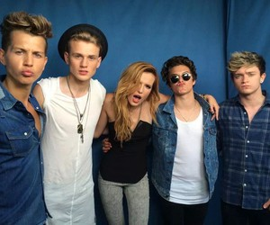 the vamps, boys, and bella thorne image