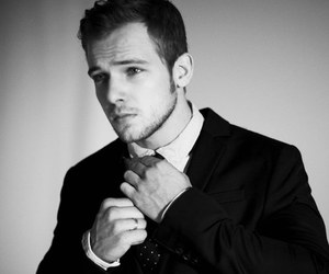 max thieriot and Hot image