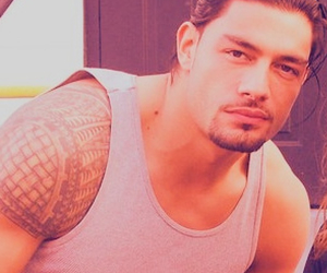 roman reigns and wwe image