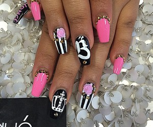 diamond and nails image