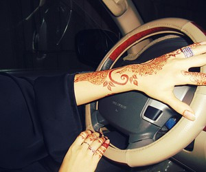 arabs, driving, and mehndi image