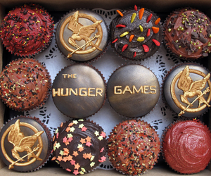cupcake, hunger games, and the hunger games image