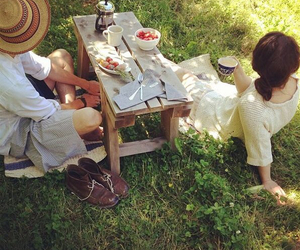 picnic and couple image