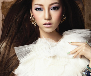 Elle, hair, and hara image