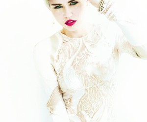 miley cyrus, perfect, and red lips image