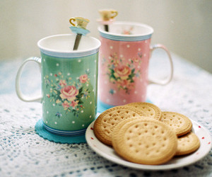 tea, cup, and Cookies image