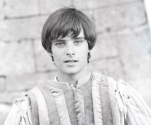boy, leonard whiting, and romeo image