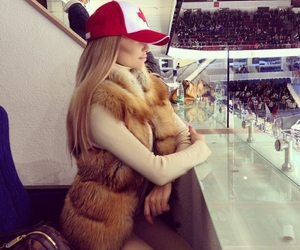 girl, style, and canada image