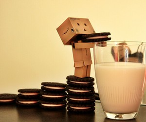 danbo, karton, and figur image