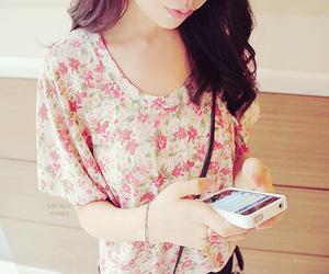 girl and phone image