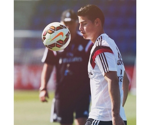 james and real madrid image