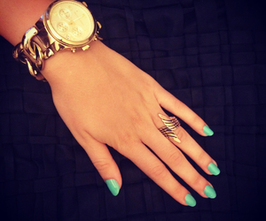 ring, wings, and mint nails image