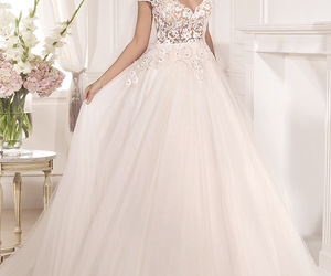 wedding dress and tarik ediz image