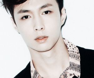 exo and lay image