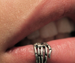 piercing, lips, and hand image