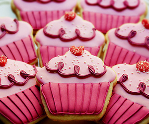 cupcake, pink, and Cookies image