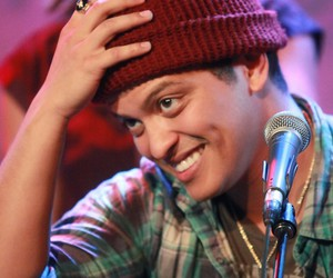 perfection, smile, and bruno mars image
