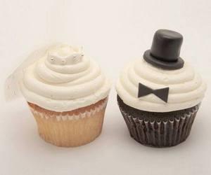 cupcake and wedding image