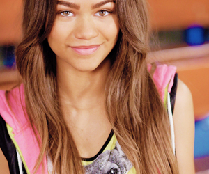zendaya and zapped image
