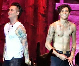 avenged sevenfold, synyster gates, and arin ilejay image