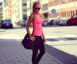 girl, fit, and pink image