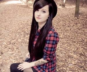 alt girl, alternative, and brown hair image