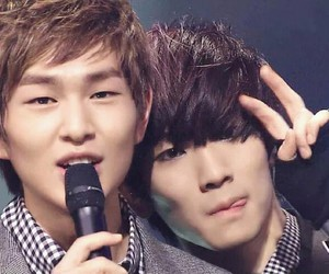 Onew, SHINee, and key image
