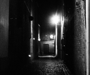 alley, 1000d, and 18-55mm image