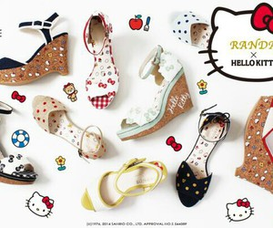 hello kitty, sandals, and ハローキティ image