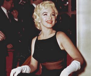 Marilyn Monroe and dress image