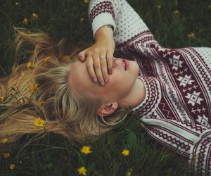 blonde hair, free, and paradise image