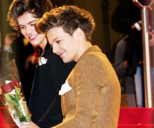 1d, Harry Styles, and louis tomlinson image