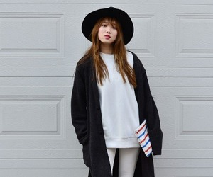 lee sung kyung and style image
