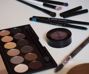 beauty, eyes, and eyeshadow image